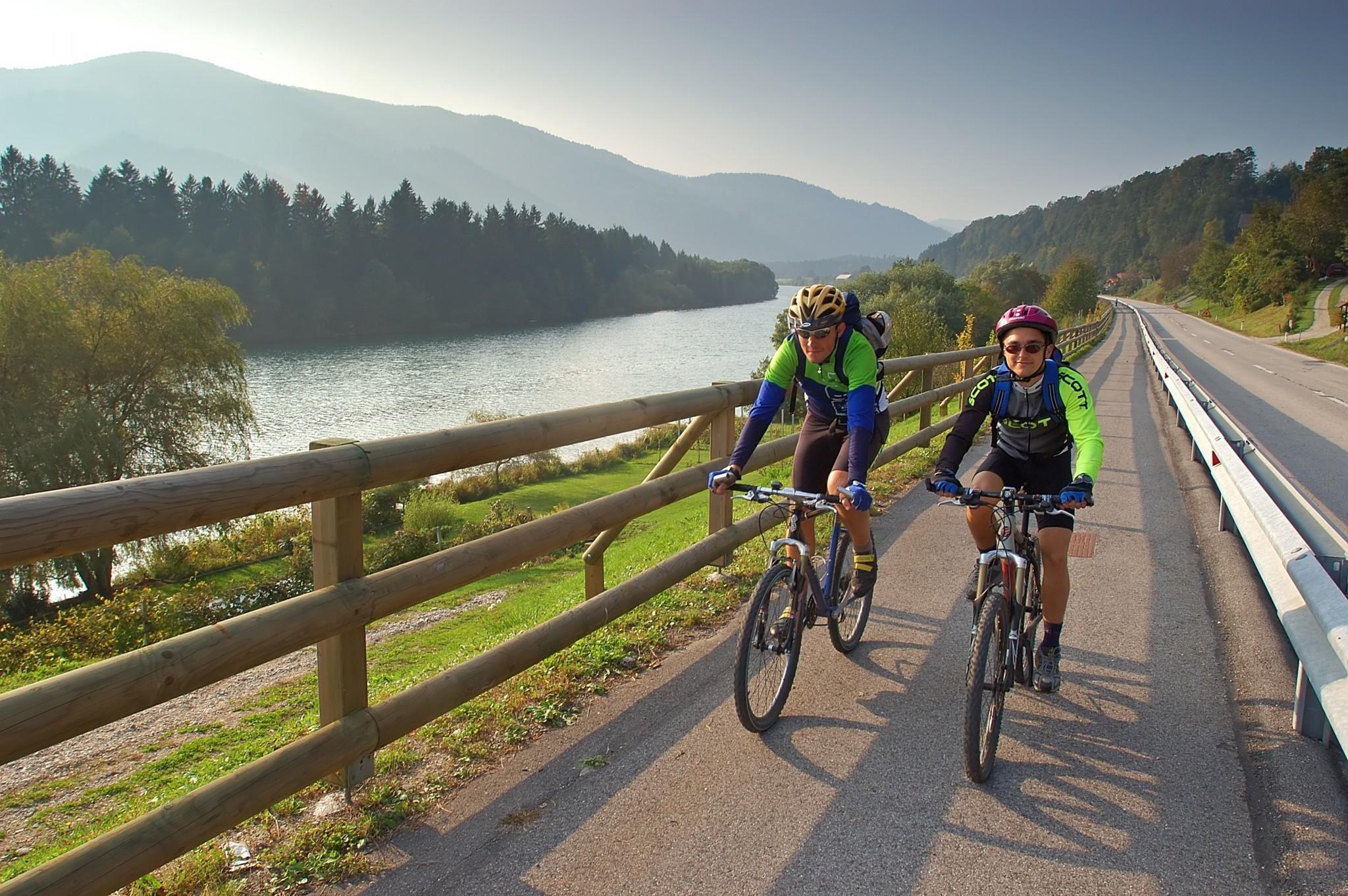 TURISTIČNI BON: S kolesom ob Dravi